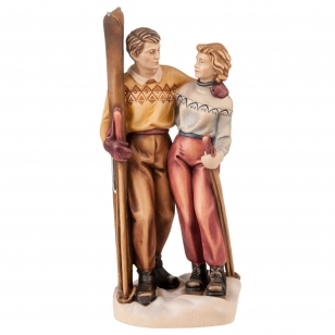 Statue couple of skiers