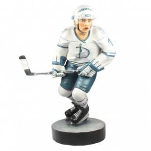 Statue hockey player