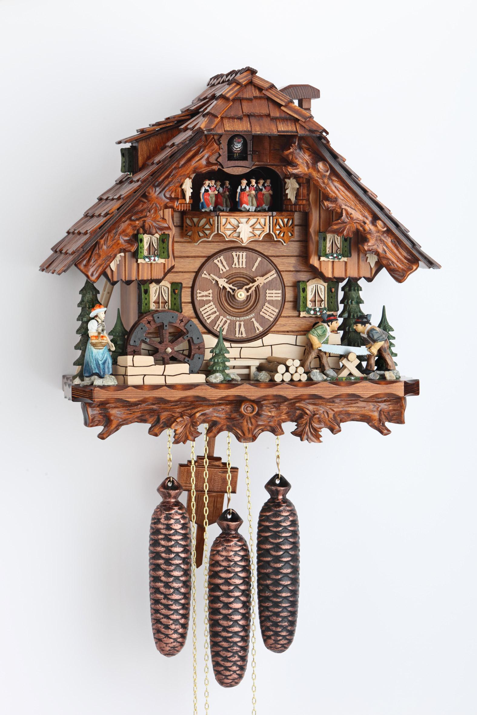 Kukučkové hodiny pílenie dreva